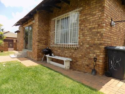 Property For Sale in Radiokop, Roodepoort