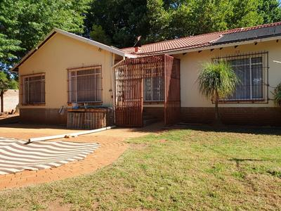 Property For Sale in Roodekrans, Roodepoort