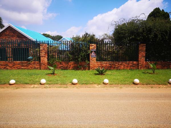 Property For Sale in Allen's Nek, Roodepoort