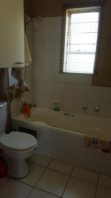 Property For Rent in Allen's Nek, Roodepoort 14