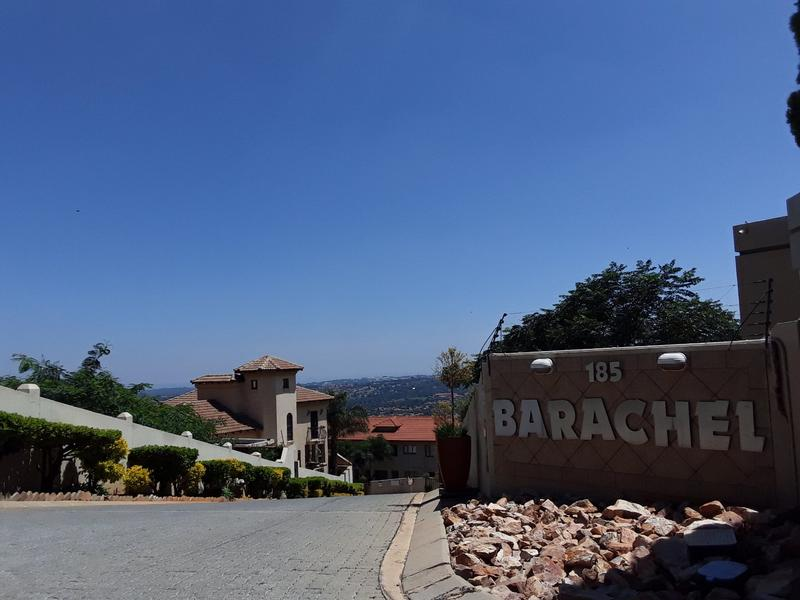 Property For Rent in Constantia Kloof, Roodepoort 2