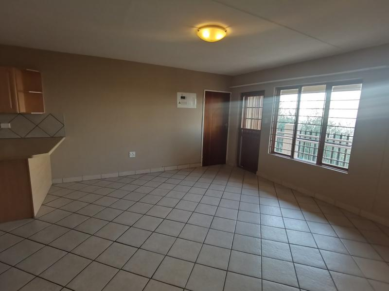 Property For Rent in Constantia Kloof, Roodepoort 6