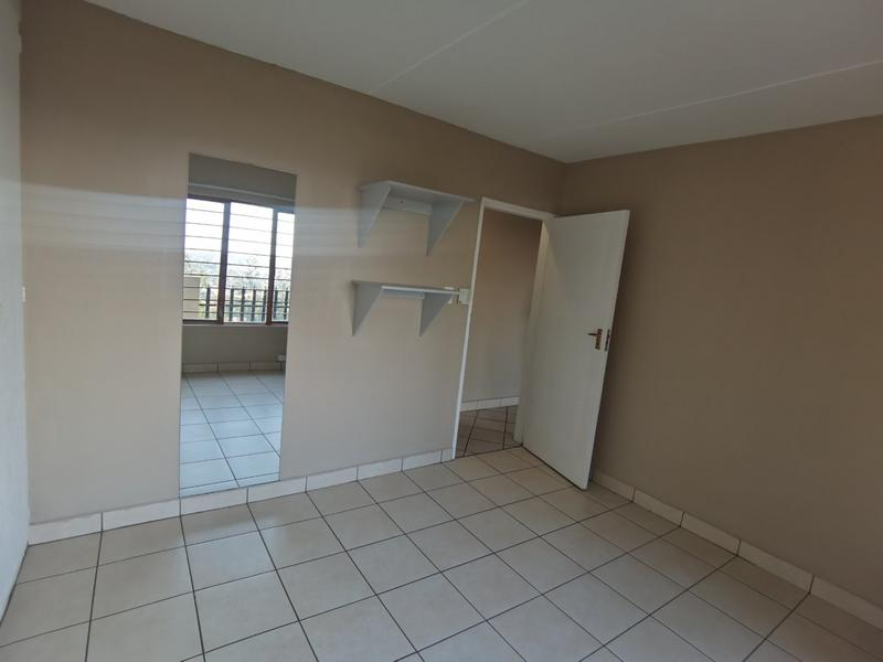Property For Rent in Constantia Kloof, Roodepoort 9