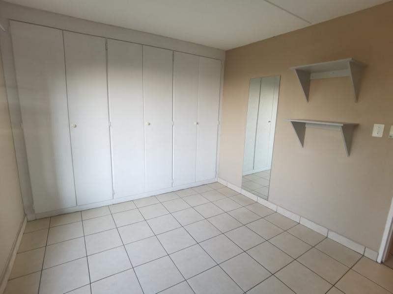 Property For Rent in Constantia Kloof, Roodepoort 10