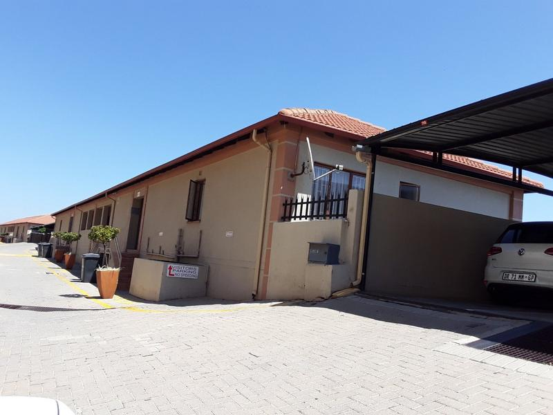 Property For Rent in Constantia Kloof, Roodepoort 15