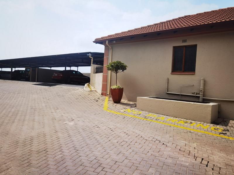 Property For Rent in Constantia Kloof, Roodepoort 16