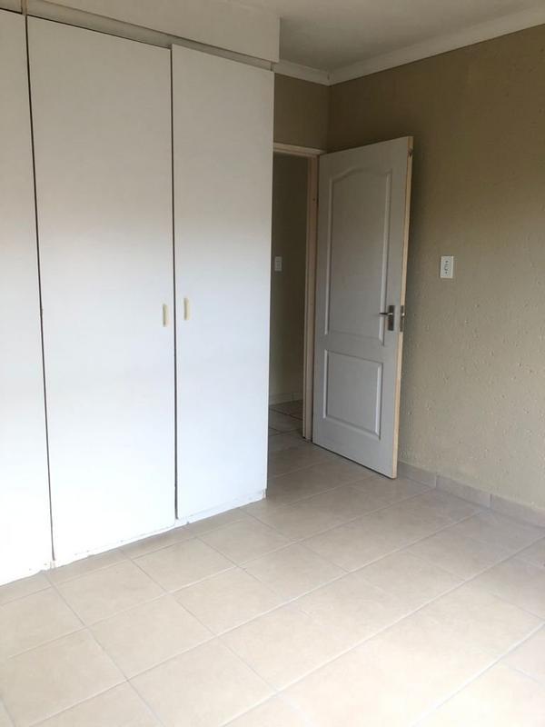 Property For Sale in Allen's Nek, Roodepoort 9