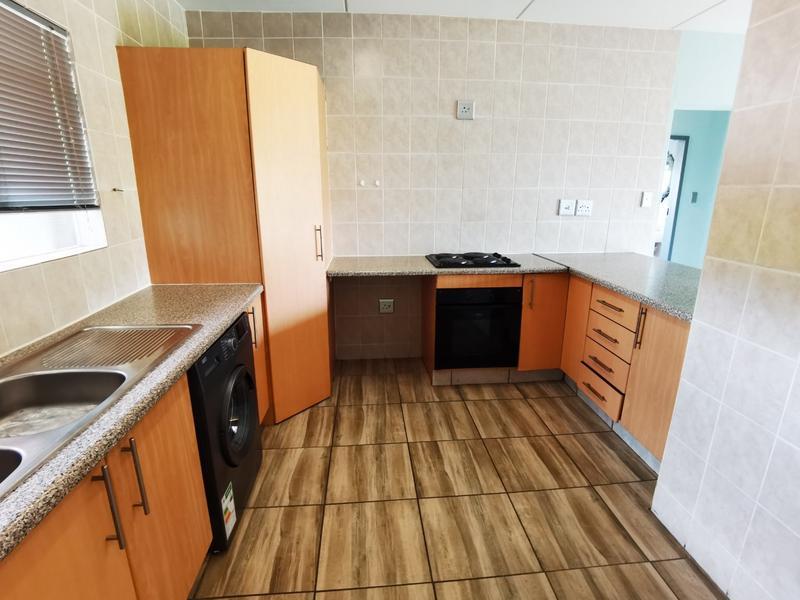 Property For Rent in Bloubosrand, Randburg 3