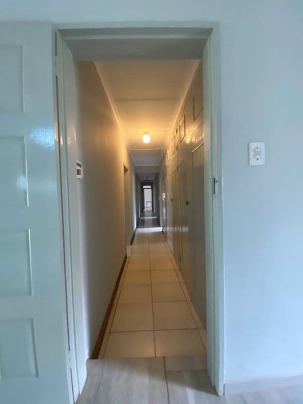 Property For Rent in Fairland, Randburg 12