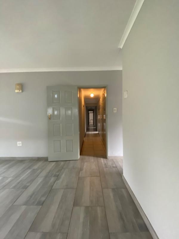 Property For Rent in Fairland, Randburg 13