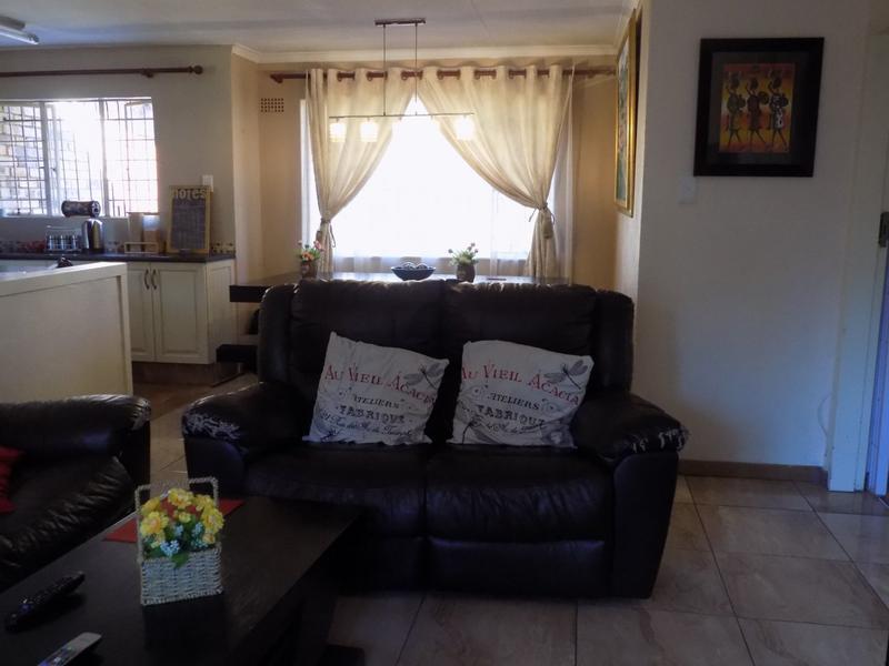 Property For Sale in Allen's Nek, Roodepoort 6