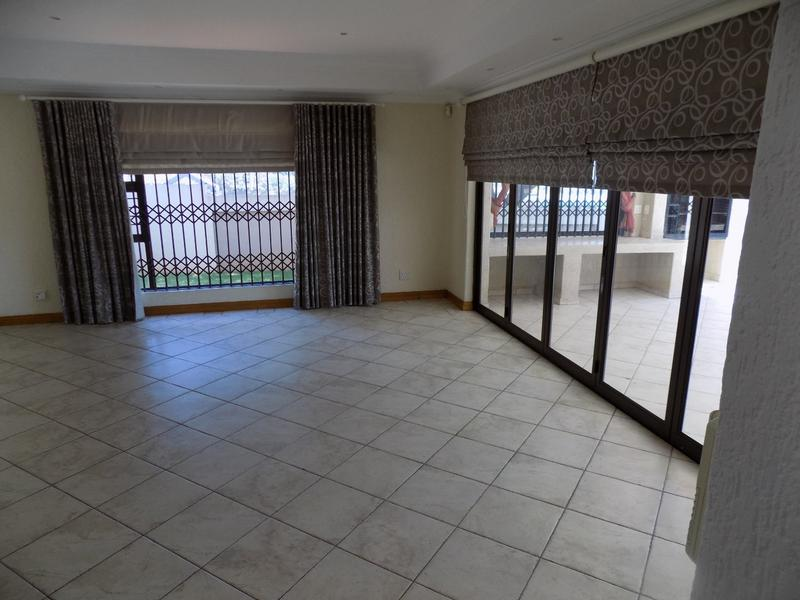Property For Sale in Constantia Kloof, Roodepoort 3