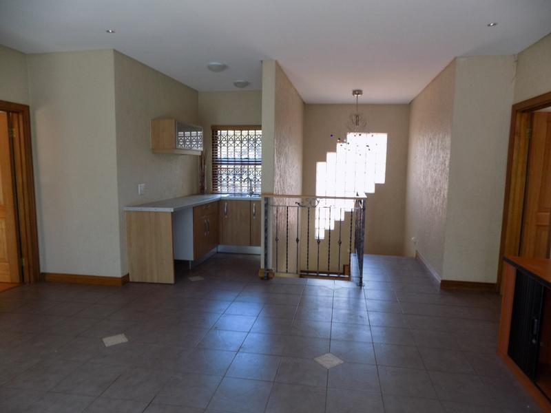 Property For Sale in Constantia Kloof, Roodepoort 10