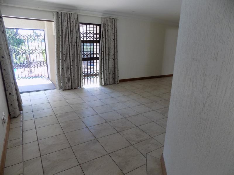 Property For Sale in Constantia Kloof, Roodepoort 13