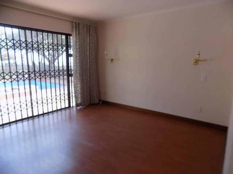 Property For Sale in Constantia Kloof, Roodepoort 20
