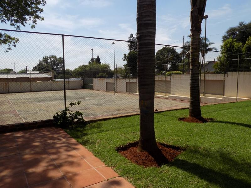 Property For Sale in Constantia Kloof, Roodepoort 23