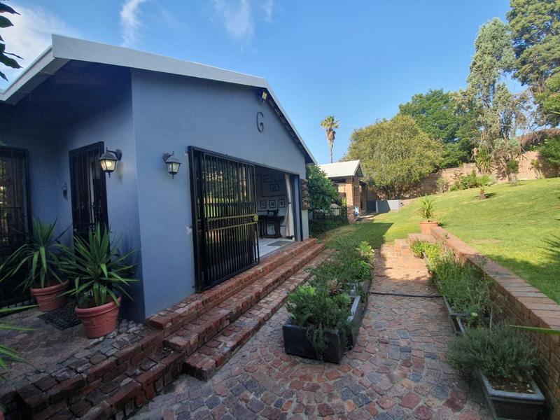 Property For Sale in Weltevreden Park, Roodepoort 35