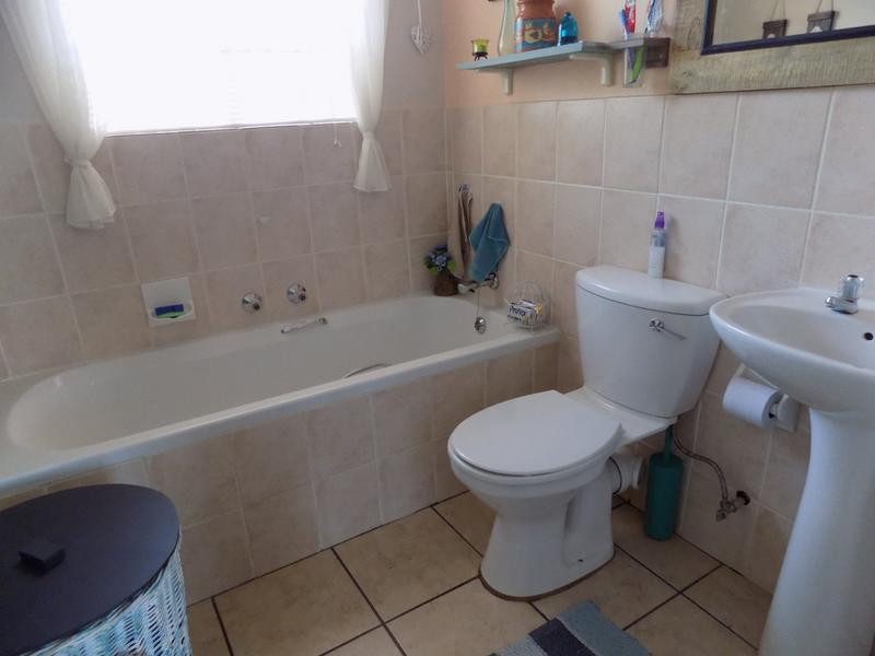Property For Sale in Radiokop, Roodepoort 10