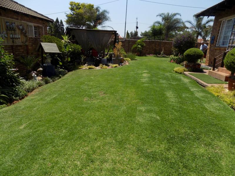 Property For Sale in Radiokop, Roodepoort 12