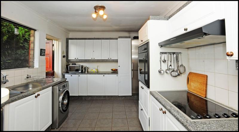 Property For Sale in Allen's Nek, Roodepoort 5