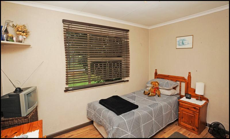 Property For Sale in Allen's Nek, Roodepoort 13