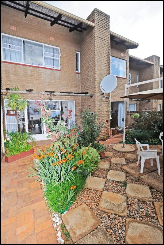 Property For Sale in Constantia Kloof, Roodepoort 25