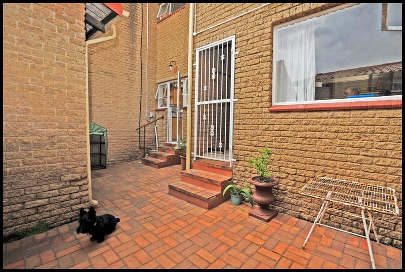 Property For Sale in Constantia Kloof, Roodepoort 28
