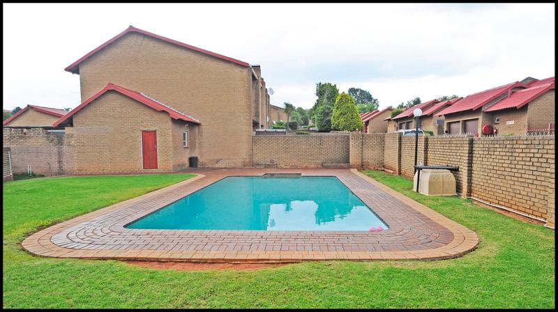 Property For Sale in Constantia Kloof, Roodepoort 29