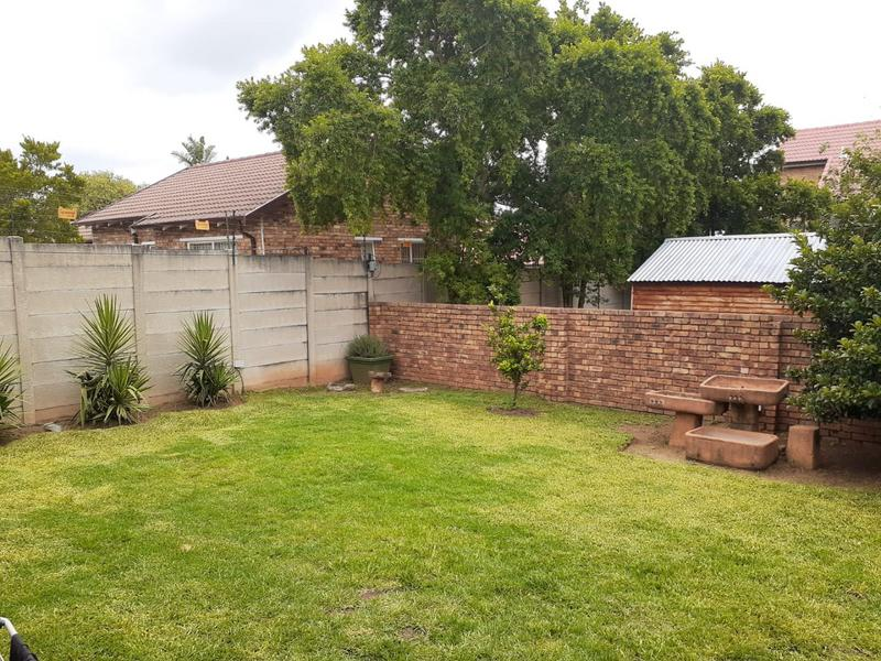 Property For Sale in Radiokop, Roodepoort 19