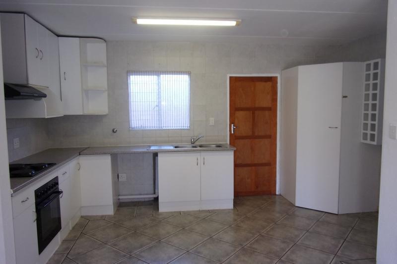 Property For Sale in Florida Glen, Roodepoort 2