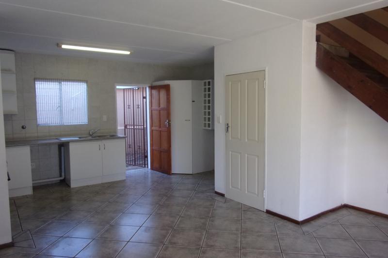 Property For Sale in Florida Glen, Roodepoort 3