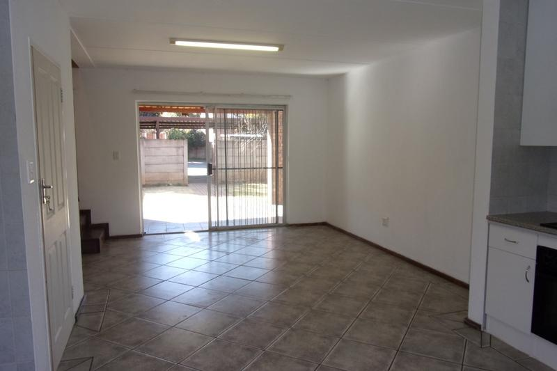 Property For Sale in Florida Glen, Roodepoort 19