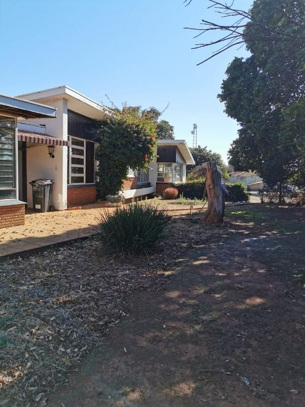 Property For Sale in Monument, Krugersdorp 4