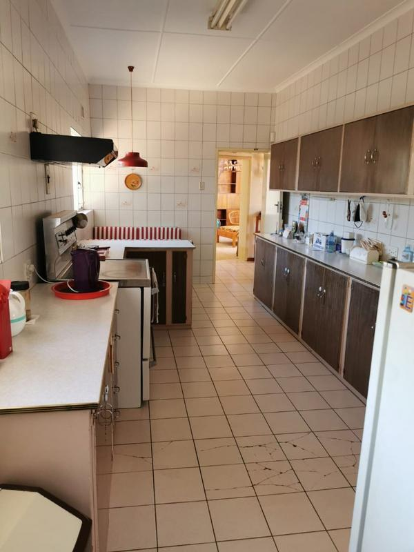 Property For Sale in Monument, Krugersdorp 12