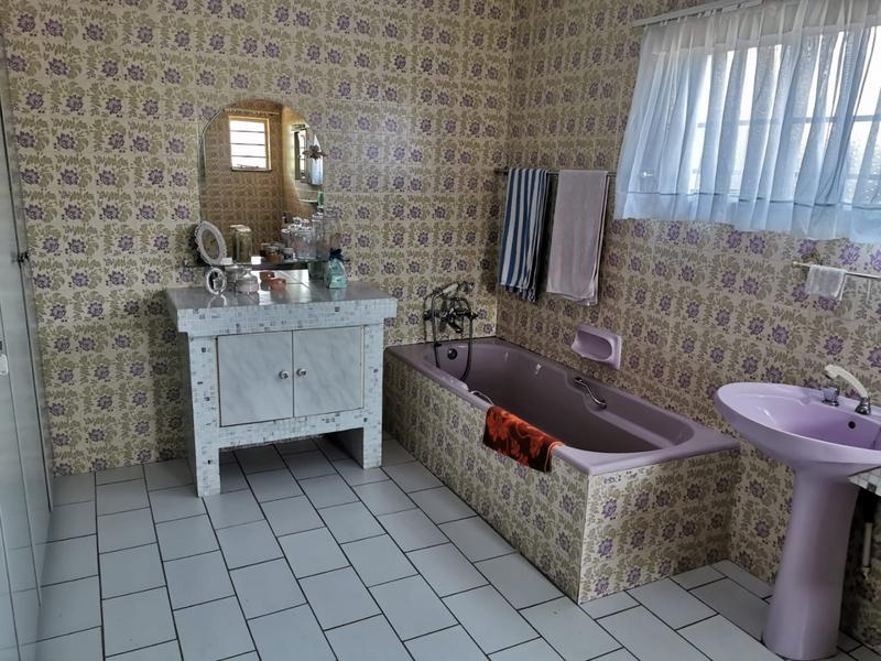 Property For Sale in Monument, Krugersdorp 14