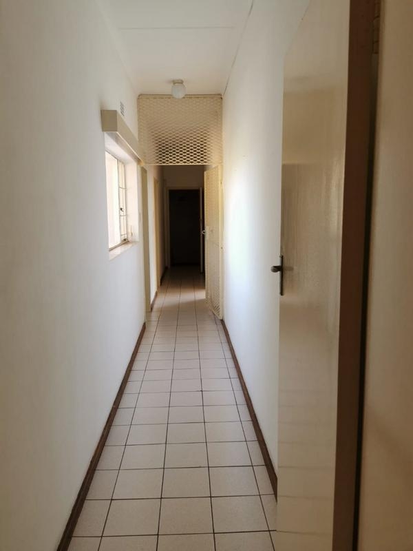 Property For Sale in Monument, Krugersdorp 17