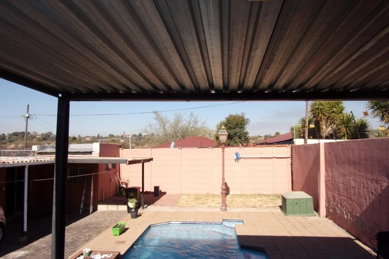 Property For Sale in Newlands, Johannesburg 8