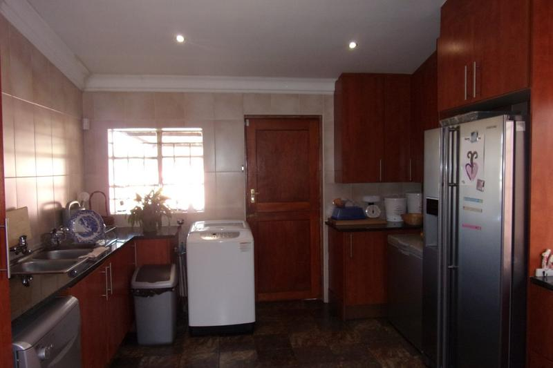 Property For Sale in Newlands, Johannesburg 12