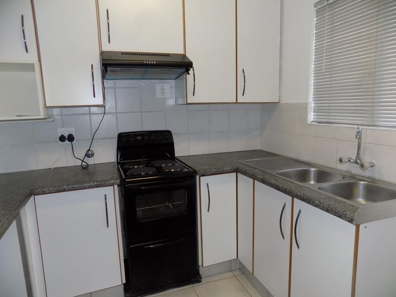 Property For Sale in Radiokop, Roodepoort 6