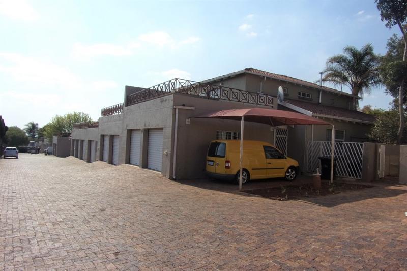 Property For Sale in Allen's Nek, Roodepoort 27
