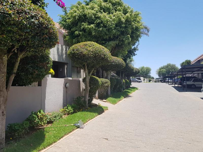 Property For Sale in Radiokop, Roodepoort 8