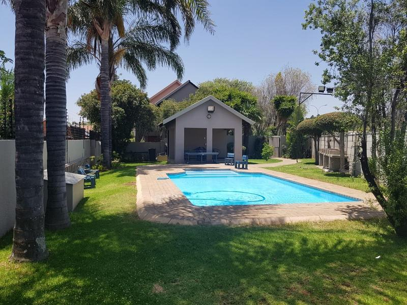 Property For Sale in Radiokop, Roodepoort 13