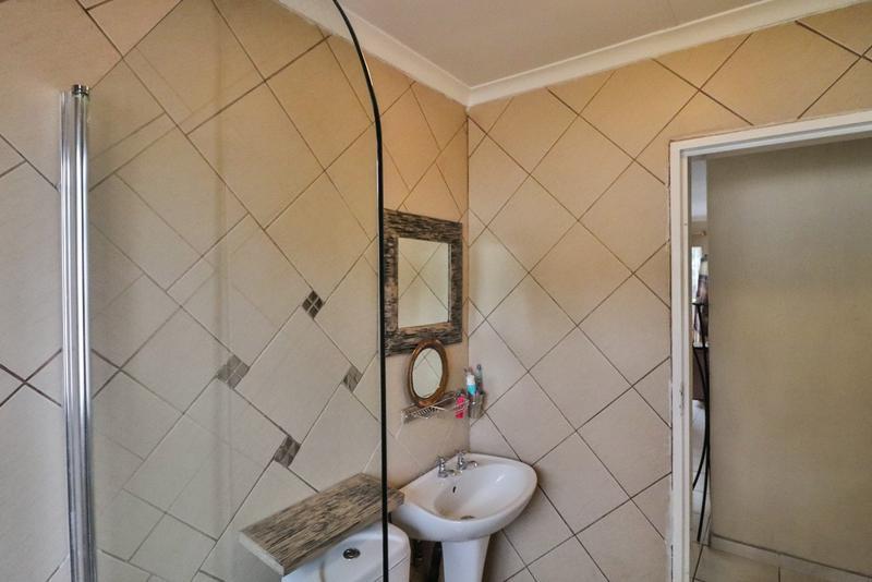 Property For Sale in Weltevreden Park, Roodepoort 6