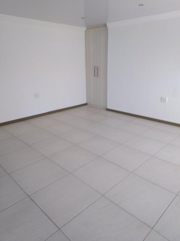 Property For Sale in Sophiatown, Johannesburg 7