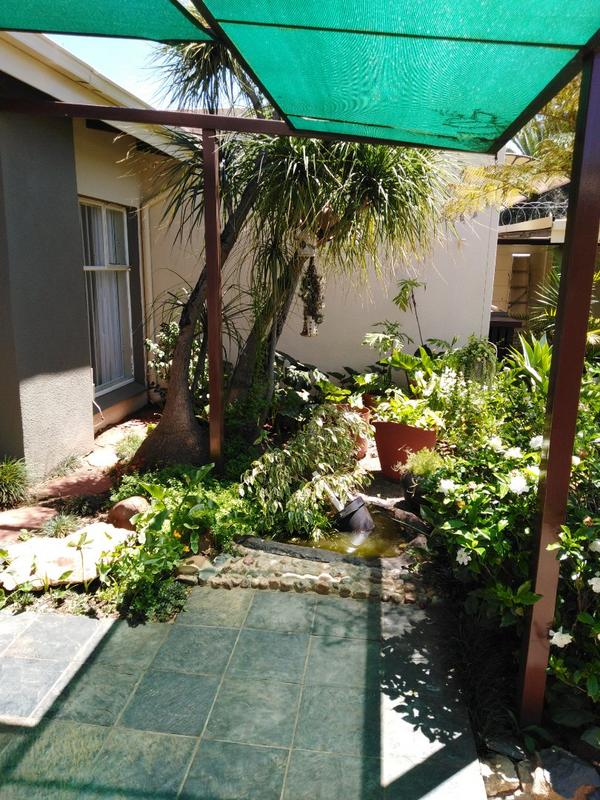 Property For Sale in Sophiatown, Johannesburg 13
