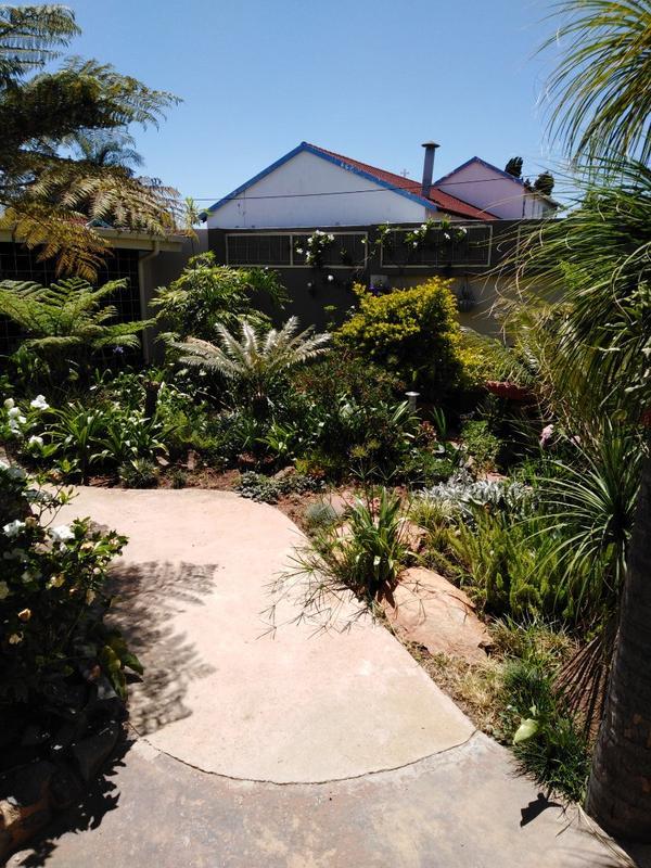 Property For Sale in Sophiatown, Johannesburg 14