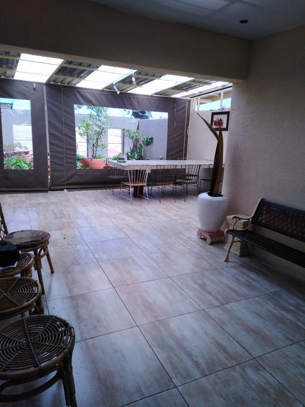 Property For Sale in Sophiatown, Johannesburg 16