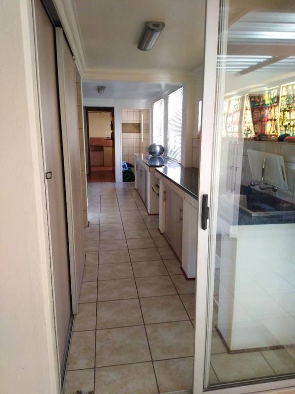 Property For Sale in Sophiatown, Johannesburg 29