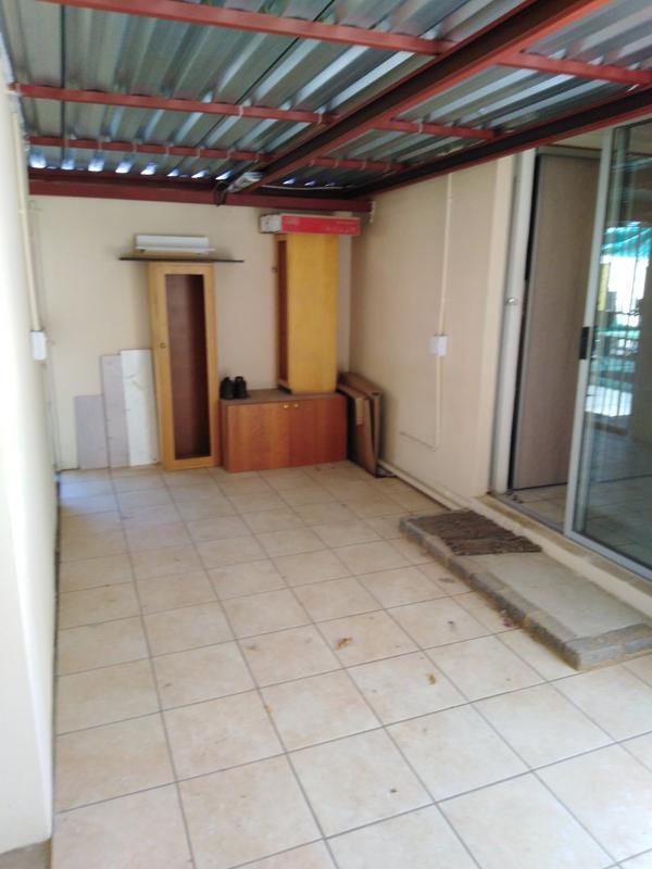 Property For Sale in Sophiatown, Johannesburg 31