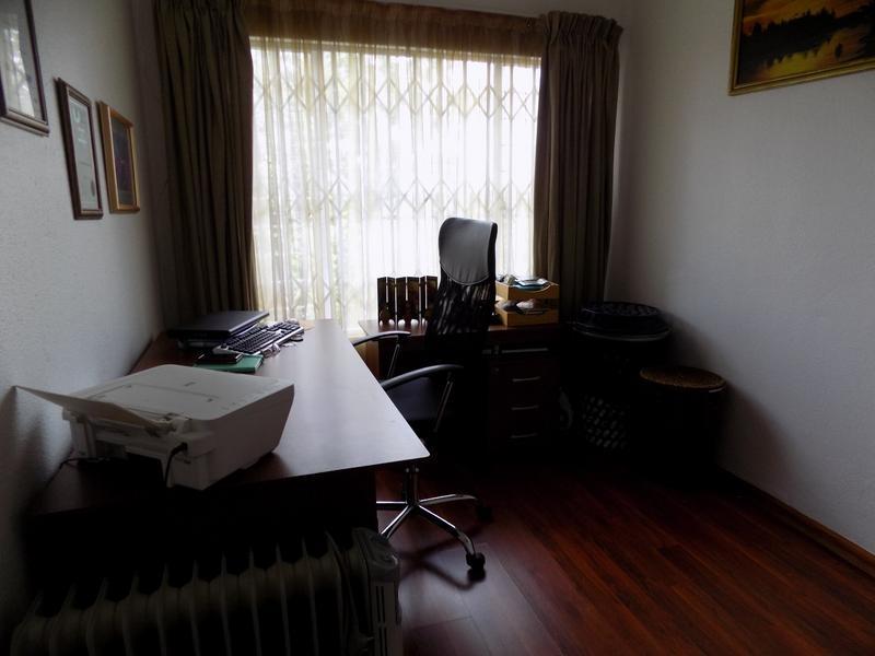Property For Sale in Allen's Nek, Roodepoort 8